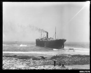 THODE FAGELUND aground near Cronulla Beach, February 1908