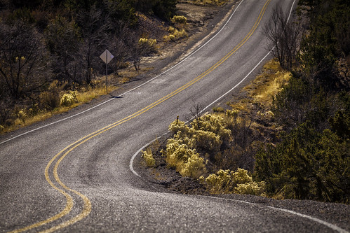 road november usa newmexico santafe landscape photography us photo photographer unitedstates image unitedstatesofamerica curves fav20 photograph 100 f80 nm curve 2012 fineartphotography tesuque curving 200mm roadscape architecturalphotography commercialphotography fav10 santafecounty architecturephotography ef200mmf28liiusm tesuquereservation houstonphotographer ¹⁄₈₀₀sec mabrycampbell november242012 hichay 201211249608