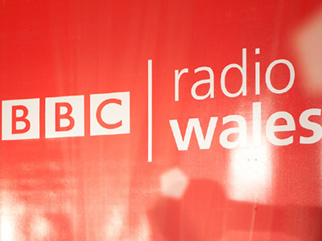 radiowales_logo