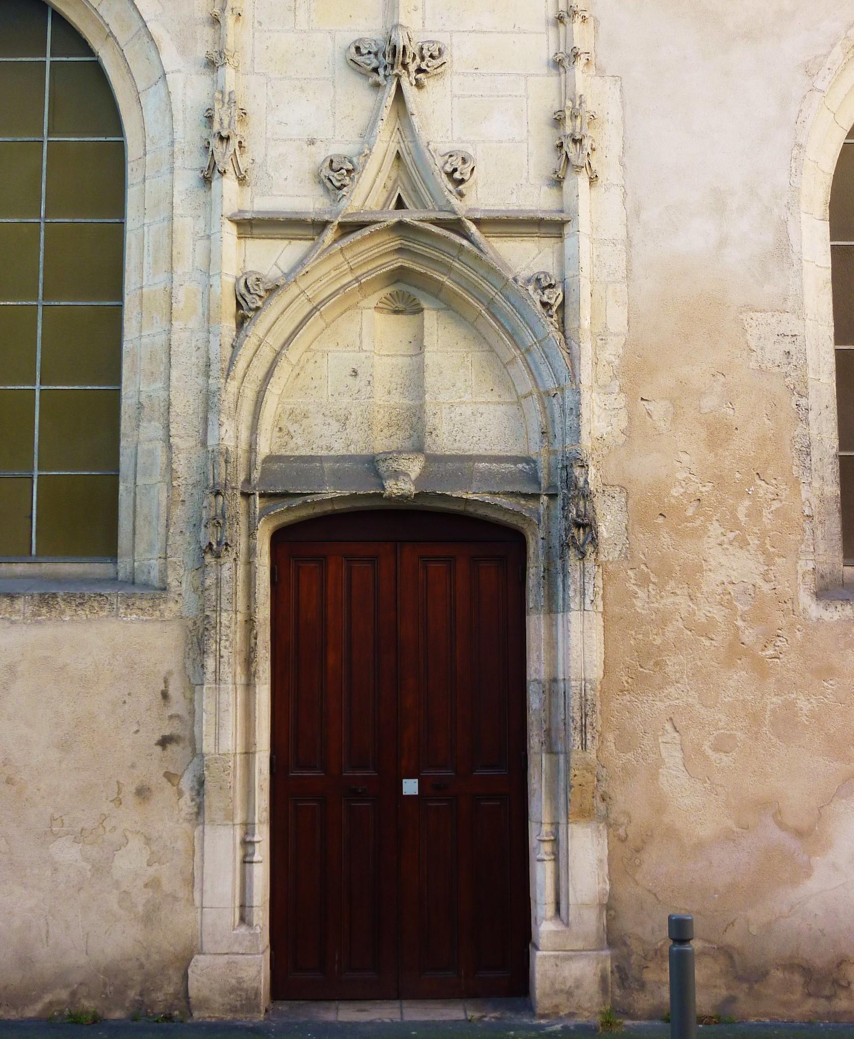 La rochelle porte ancienne chapelle de l 39 oratoire for Porte de la chapelle