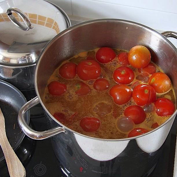 Preparando salsa de tomate en cantidades industriales #congelador