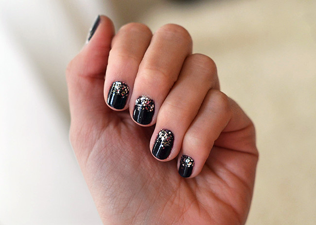 sparkly_nails_3