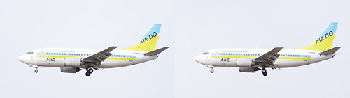 Boeing 737-500, AIR DO JA8404, stereo parallel view