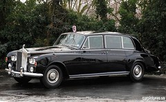 daimler 250(0.0), jaguar mark 2(0.0), bentley s1(0.0), rolls-royce corniche(0.0), jaguar mark 1(0.0), convertible(0.0), automobile(1.0), rolls-royce(1.0), rolls-royce phantom vi(1.0), rolls-royce phantom v(1.0), bentley s2(1.0), vehicle(1.0), rolls-royce silver shadow(1.0), bentley t-series(1.0), rolls-royce silver cloud(1.0), antique car(1.0), sedan(1.0), vintage car(1.0), land vehicle(1.0), luxury vehicle(1.0),