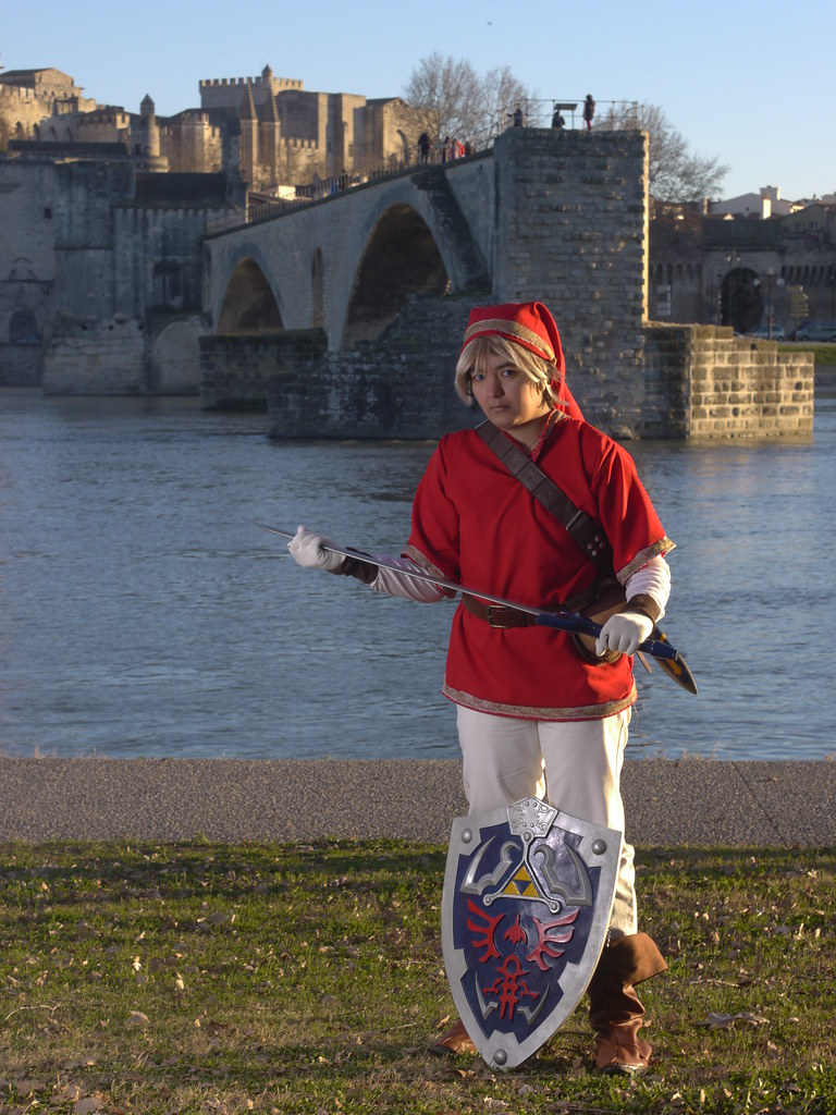 related image - Shooting Red Link - Avignon - 2013-01-03- P1520685