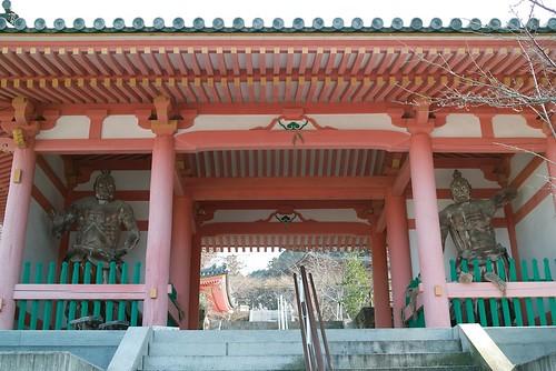 壺阪寺仁王門