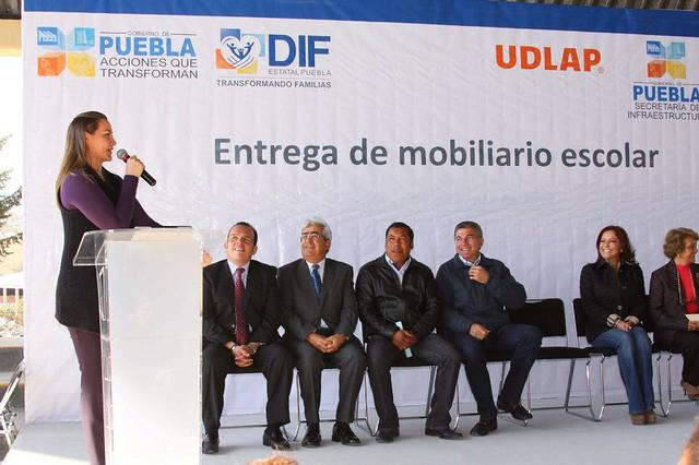 Entrega de mobiliario a la Telesecundaria José Vasconcelos.