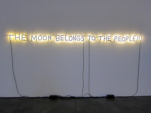 Glenn Ligon: The Moon Belongs to the People!!!, at Luhring Augustine by Scoboco