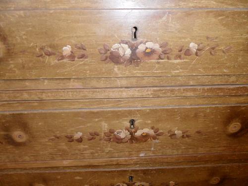 detalles pinturas mueble auxiliar