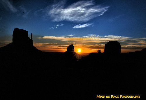 morning rural sunrise dawn utah spires country earlymorning monumentvalley arizonia monumentvalleyutah aspenbreeze topphotospots monumentvalleyarizonia tpslandscapes gpsetest bevzuerlein