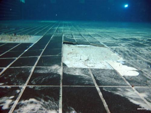 Onderwater schade tegelvloer