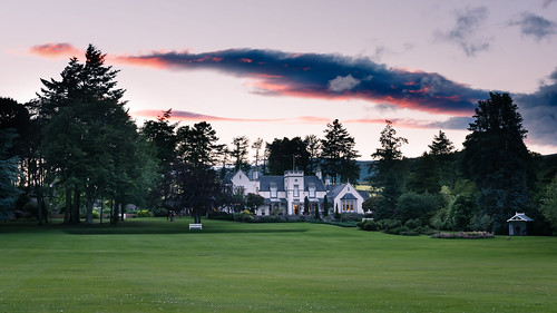 dounesidehouse macroberttrust royaldeeside scotland nikond810 nikkor2470f28 calm tranquil peaceful outdoor sunset sky tree lawn summer evening