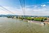 In der Seilbahn über dem Rhein