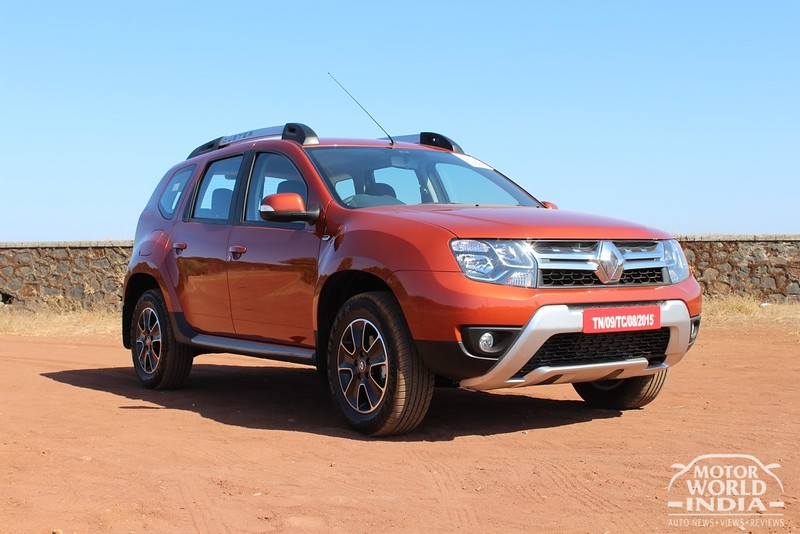 2016-Renault-Duster-Front-Three-Quarter (5)
