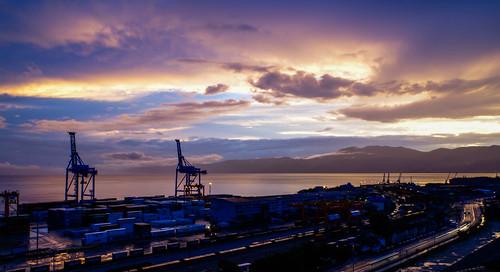 sky cloud clouds nebo colors rijeka croatia hrvatska fiume razvedravanje boje port crane dizalica luka blue yellow plava žuta road cesta container pentax k50