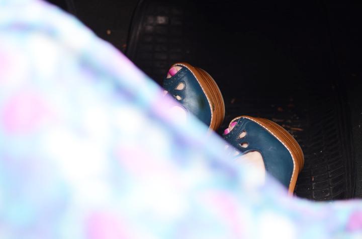 blue gorman sandals pink toes