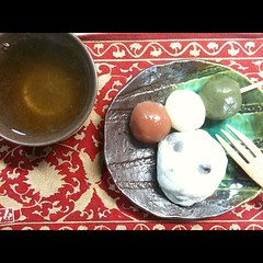 thank you TK for the Demachi Futaba mamemochi & kabuki dango(cinnamon, plain & matcha). green #tea #dessert #kyoto