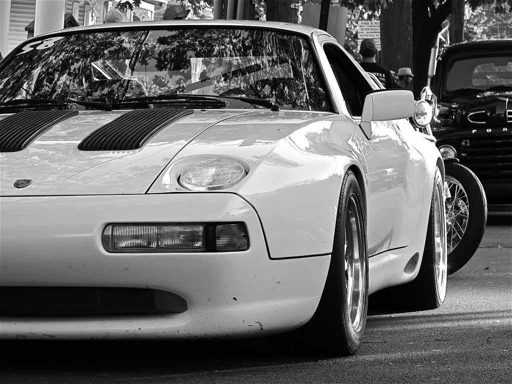 Hopewell Cruise Night Modified Porsche 928 Gts Mind