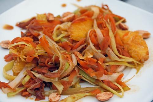 Poêlée de carottes râpées, poireaux et orange