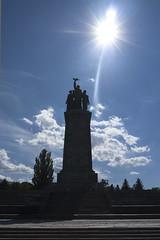 Monument der Bruderschaft II