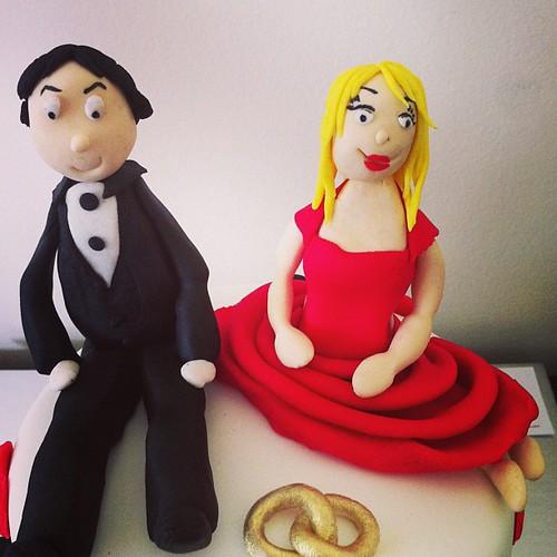 #engagementcake #sugarart #sugarpaste by l'atelier de ronitte