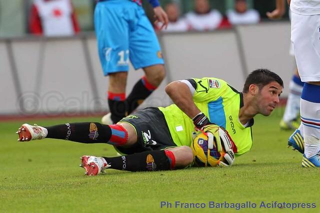 Calcio, Pescara-Catania 2-1: Circo Togni!$