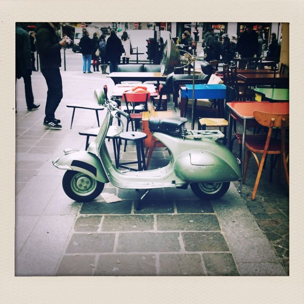 old school vespa in paris flickr photo sharing. Black Bedroom Furniture Sets. Home Design Ideas