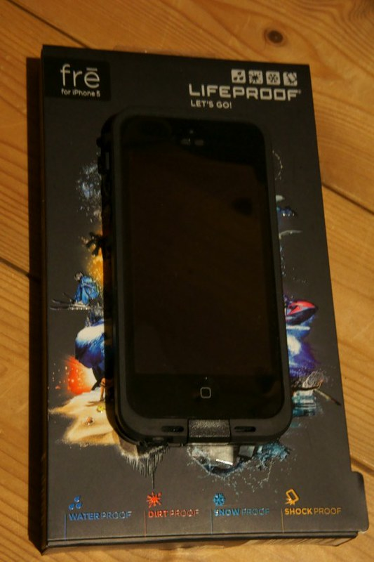LifeProof fre iPhone 5 Case DSC04464