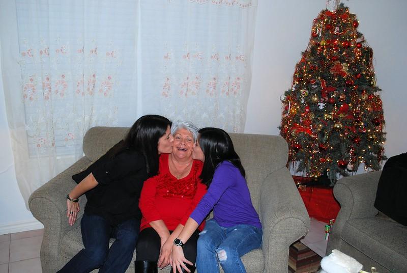 Gaby, Mom, & Ari