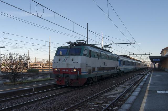 Abbigliamento di moda i vostri sogni treni torino porta - Orari treni milano torino porta nuova ...