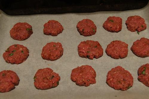 oven baked mini burgers DSC08684