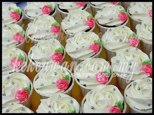 Red Velvet Cupcake Wedding Cake Red Velvet Cupcakes