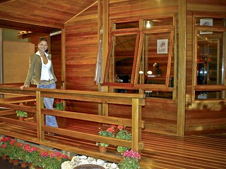 Casas de madera tropical flickr photo sharing - Porches de casas ...