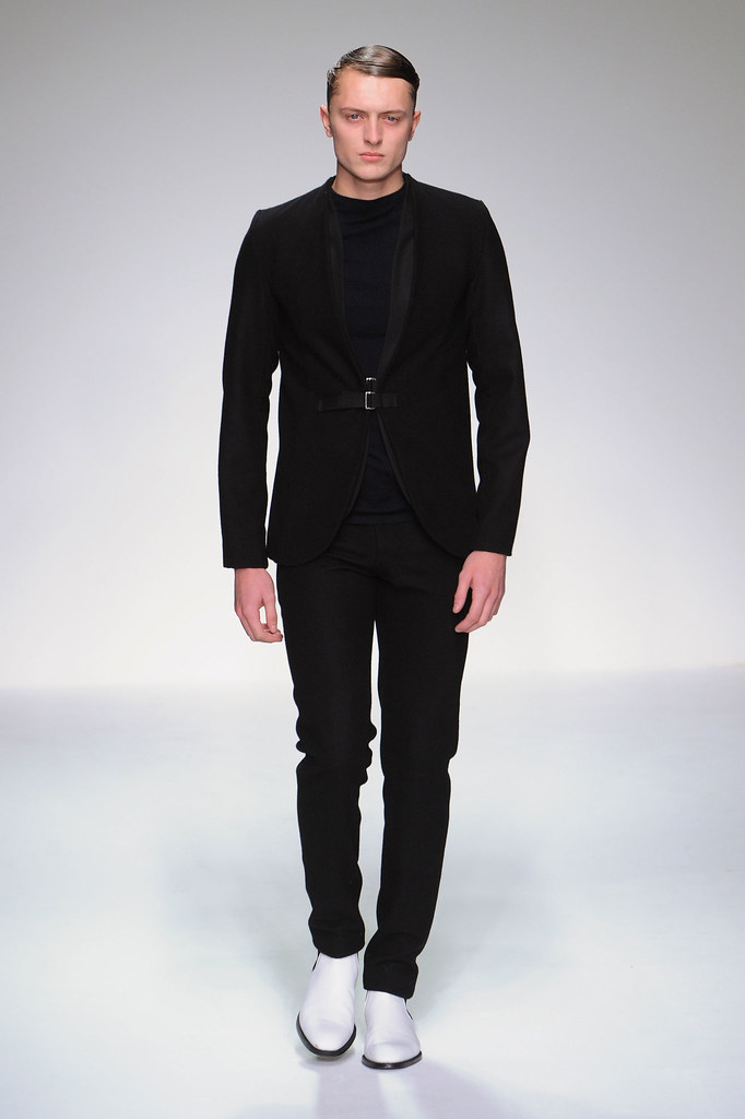 FW13 London Lee Roach002_Max Rendell(fashionising.com)