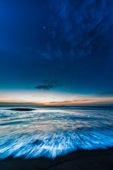[フリー画像素材] 自然風景, ビーチ・海岸, 朝焼け・夕焼け, 青色・ブルー ID:201301210400