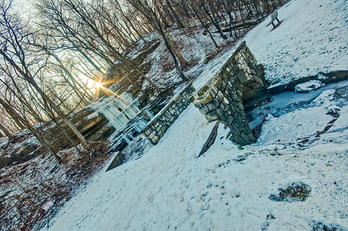 winter lake saint sunrise louis frozen waterfall nikon sigma mo missouri lensflare flare 1020mm hdr lightroom uwa froze crevecoeur d90 photomatix f456 exposurefusion dishippy