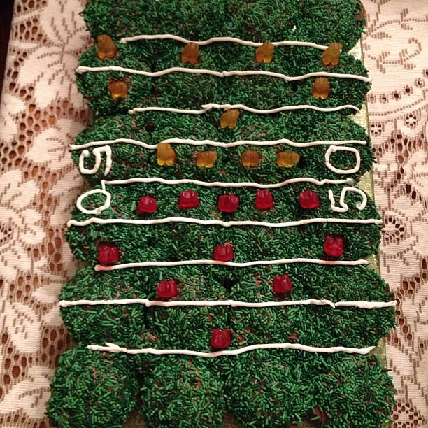 I wish I could say I made it, but the is an awesome cupcakes arrangement made by a friend for the #superbowl