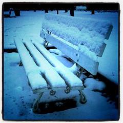 Banc sous neige