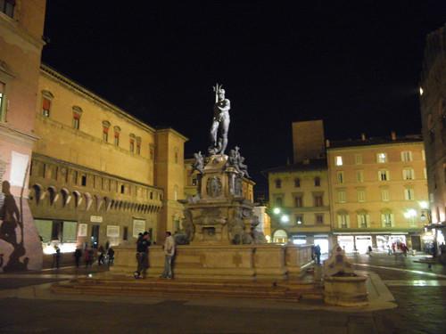 DSCN3527 _ Fontana del Nettuno, Piazza del Nettuno, Bologna, 16 October