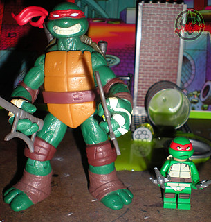 "LEGO Teenage Mutant Ninja Turtles :: ""Stealth Shell in Pursuit"" ; Raphael ix / ..with 2012 NICK Raphael  (( 2013 ))"