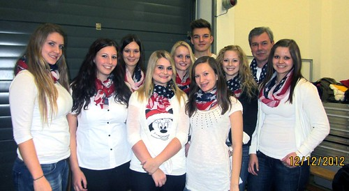 HLW-VertreterInnen beim Weihnachtskonzert 2012