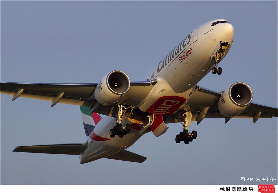 阿酋航空A6-EFH貨機004