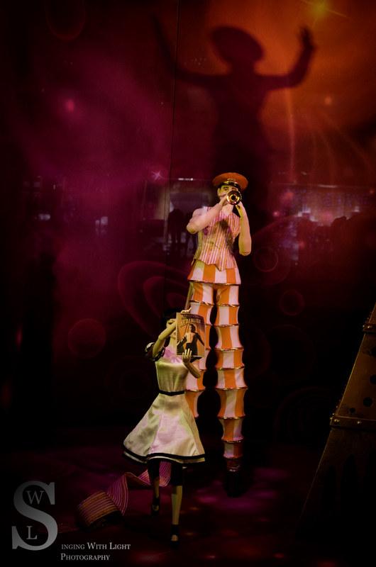 Festive NY Bloomingdales Cirque de Soleil-7517