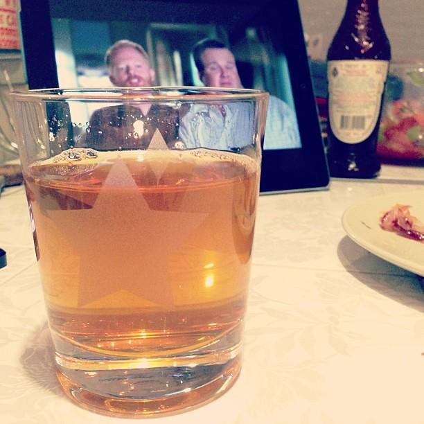 На ужин сок и modern family