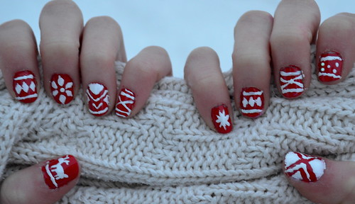 ChristmasNails2