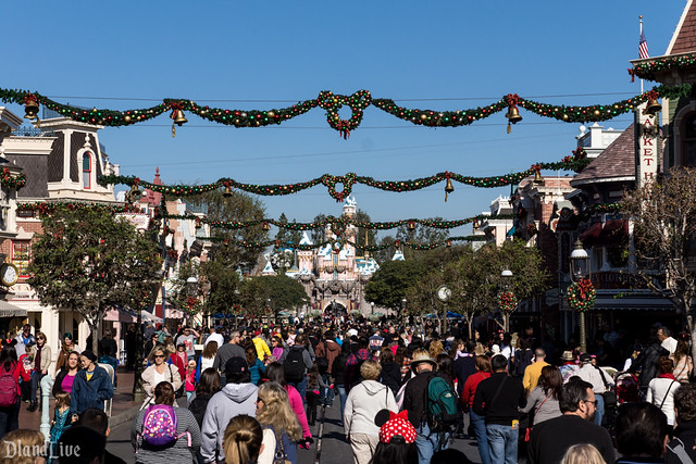 Holiday Crowds at Disneyland