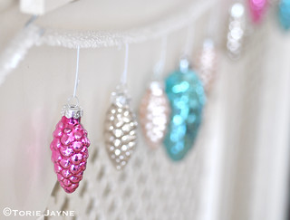 Berry pink pinecone decoration