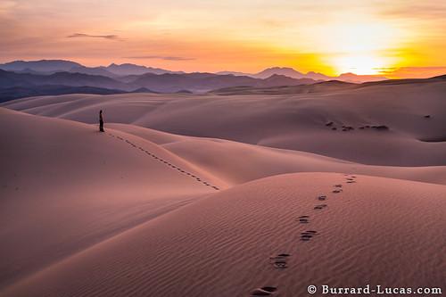 mountains sunrise desert dunes serra namibia angola cafema