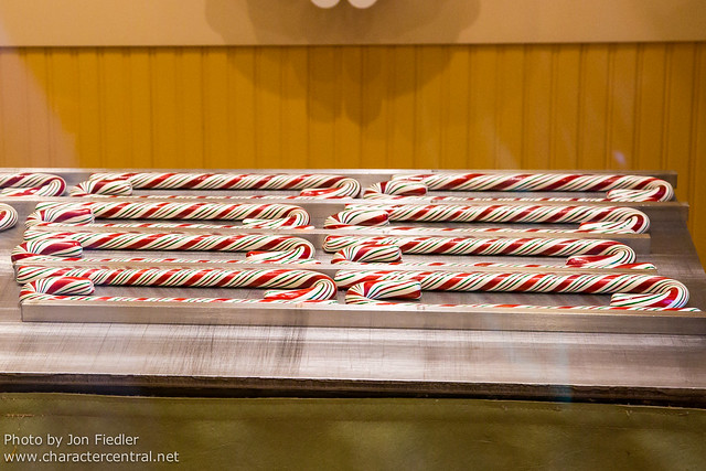 Disneyland Dec 2012 - Handmade Candy Canes