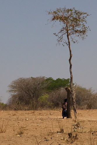 africa tree tanzania flickr child mother 5star canonef24105mmf4lis wangingombe